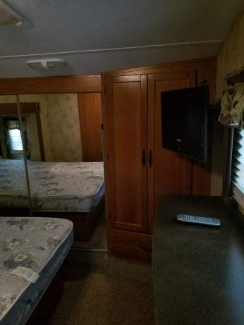 38' Montana Mountaineer 5th Wheel